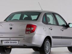 Лидеры вторичного рынка: лучшие подержанные авто до 300 000 рублей