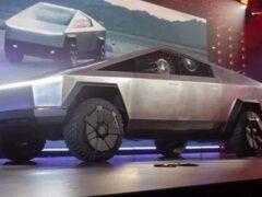 Porsche посмеялся над футуристичным дизайном пикапа Tesla Cybertruck