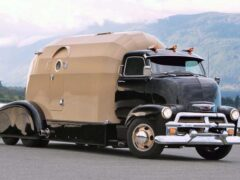 В Канаде на базе грузовика Chevrolet Tourliner был создан автодом