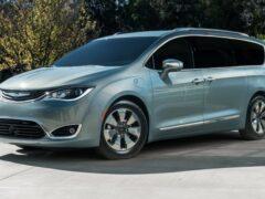 Рассекречен новый минивэн Chrysler Pacifica