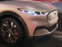 Первый электрокар Ford Mustang Mach-E сошёл с конвейера