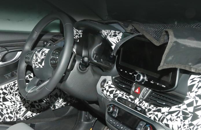 Hyundai i30, салон, маскировка