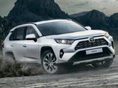 Toyota RAV4 получил высокие оценки по безопасности