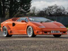 Праворульный Lamborghini Countach выставили на торги
