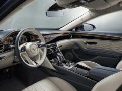 Новая Bentley Flying Spur похвасталась сложным интерьером