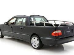 В Сети продают необычный пикап на базе Mercedes