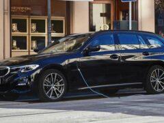 Компания BMW показала новый 330e Touring с полным приводом