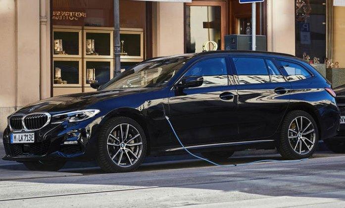 BMW 330e Touring, универсал, гибрид