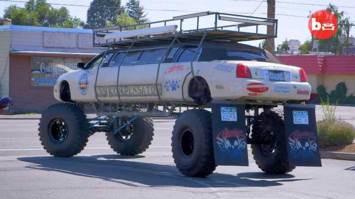 внедорожник, лимузин Lincoln Town Car