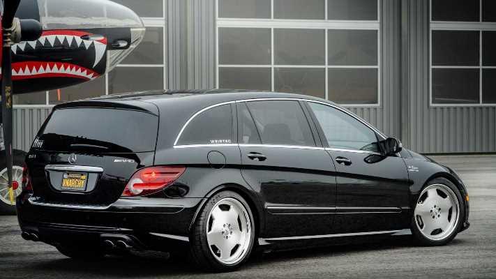 Mercedes-Benz R63 AMG, 700-сильный, микроавтобус