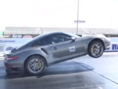Мощность модернизированного Porsche 911 Turbo S показали на видео