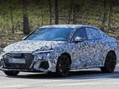 Новый седан Audi RS3 Sportback впервые вышел на тесты