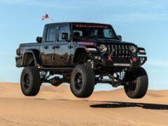 1000-сильный Jeep Gladiator показал свои возможности в пустыне