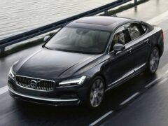 Названа причина ограничения скорости на автомобилях Volvo