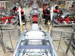 Volkswagen, FCA и Tesla готовы возобновить производство автомобилей