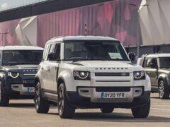 Jaguar Land Rover предоставил 160 автомобилей для борьбы с коронавирусом