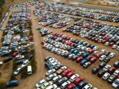 В Австралии никак не могут продать 4 тысячи побитых градом авто