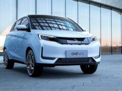 Стартовали продажи электрического хетчбэка Qineng GEV 1
