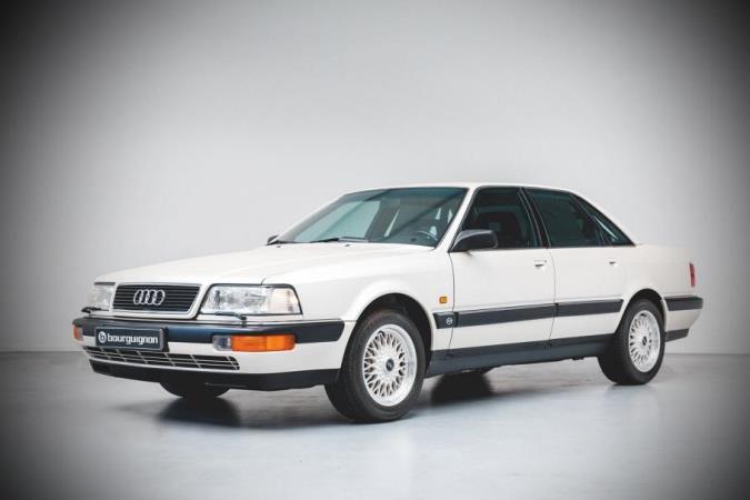 Audi V8 1990 года