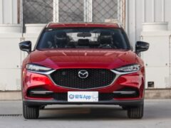 Обновленная Mazda CX-4 оказалась популярнее Mazda CX-5