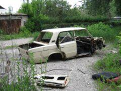 Владельцев брошенных авто в России будут штрафовать