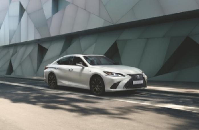 Lexus ES 250 F Sport
