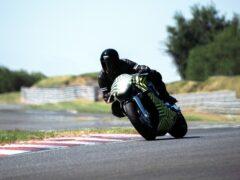 Aston Martin приступила к испытаниям мотоцикла AMB 001