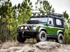 Американцы показали рестомод на базе Land Rover Defender 90