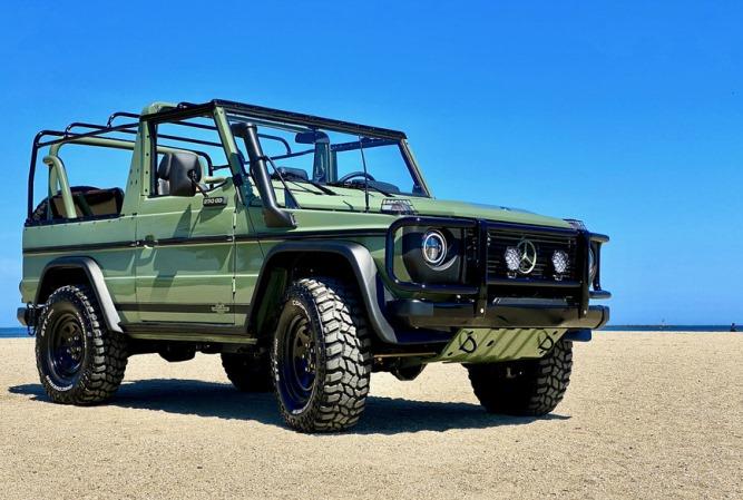 военный Mercedes G-Wagen