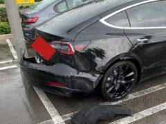 У Tesla Model 3 отвалился бампер на ходу