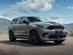 Компания Dodge презентовала седан Charger SRT Hellcat Redeye