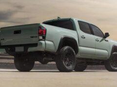 «Лунный камень»: Toyota обновит внедорожники в исполнении TRD Pro