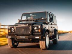 Land Rover Defender классический превратили в электрокар