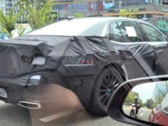 Новый седан Genesis G90 впервые заметили на дорожных тестах