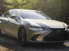 Седан Lexus ES первым получил полный привод