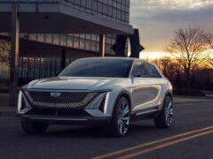 Первый электрокар Cadillac окажется дешевле Tesla, Audi и Jaguar
