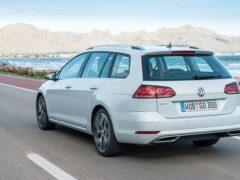 На тестах замечен прототип универсала VW Golf Variant нового поколения