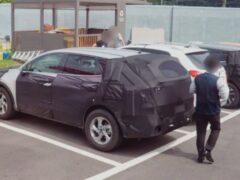 В Сети опубликованы шпионские фото Kia Sportage нового поколения