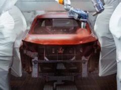 Nissan запустил производство двухцветных кроссоверов Juke