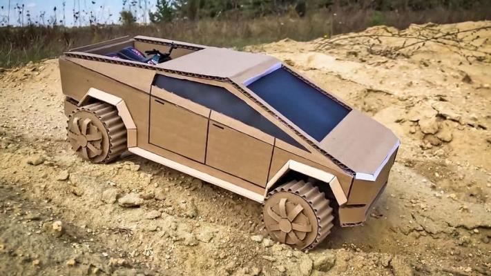 Tesla Cybertruck, из картона и зубочисток