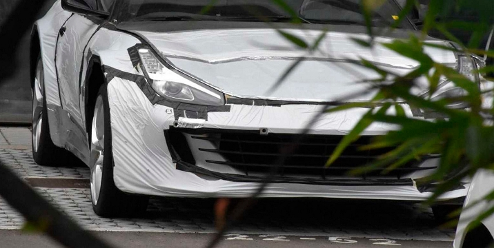Ferrari, кроссовер, замаскировали под спорткар