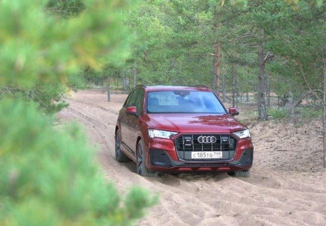 Audi Q7, обновленный полноразмерный кросс