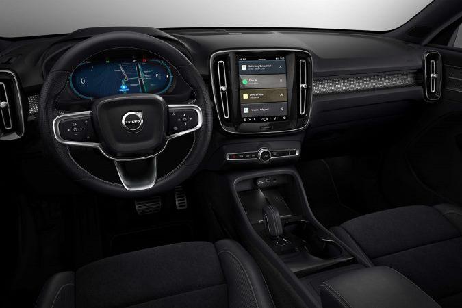 Volvo, система, следит за водителем