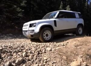 Новый Land Rover Defender сломался на второй день эксплуатации