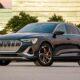 Умные фары Audi могут проецировать анимированные изображения на дорогу