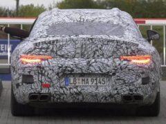 В Сети показали рендеры Mercedes-AMG SL 2022 года в защитной пленке