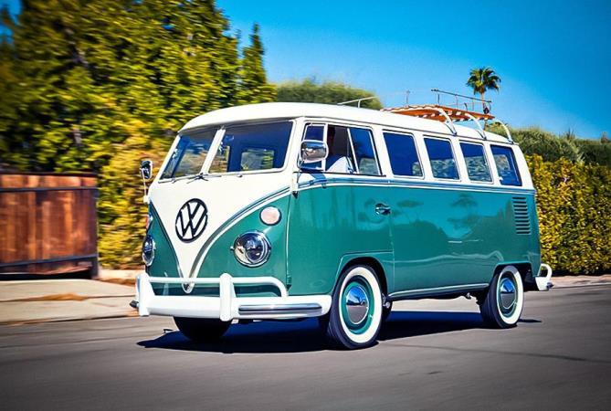 Volkswagen, 54-летний микроавтобус, электромотор Tesla
