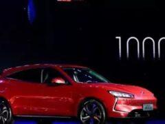 Huawei представил электрокар на собственной платформе DriveONE