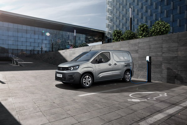 Peugeot e-Partner 2021, коммерческий электрокар