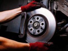 Специалисты назвали главные моменты в обслуживании тормозов автомобиля